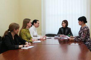 В Центральном исполкоме ОД «ДР» обсудили вопросы, поступающие в общественную приемную в Ленинском районе Донецка